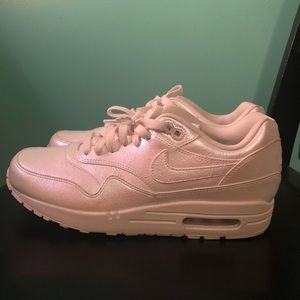 Nike Women's Iridescent Custom Air Max size 9